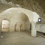 Cripta dell abbazia con il sarcofago