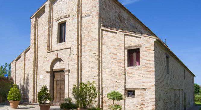 Esterno dell'abbazia di San Gervasio